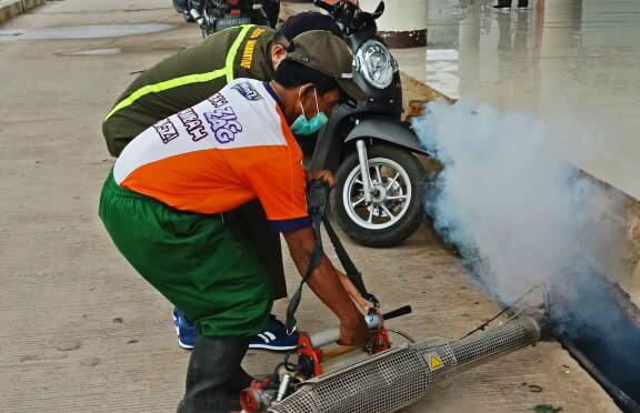 Melindungi Pemudik Dari Ancaman Malaria dan DBD, KKP PLM Lakukan Pengasapan Di Pelabuhan Tanjung Api Api