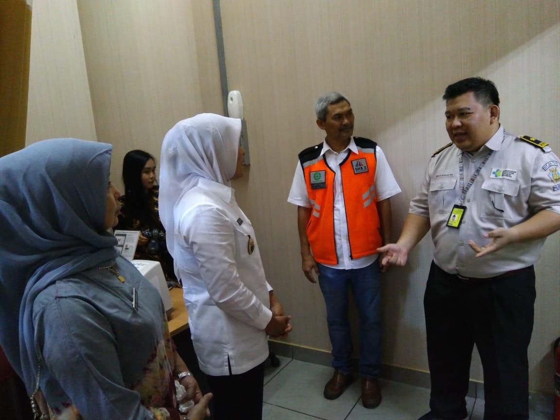 Wakil Walikota Palembang Melakukan Kunjungan ke Posko Terpadu Bandara SMB II