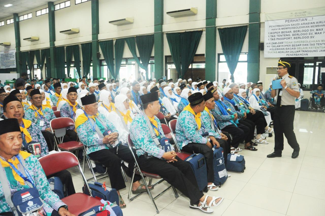 Pemeriksaan Kesehatan Akhir Kloter 1 di Embarkasi Haji Palembang